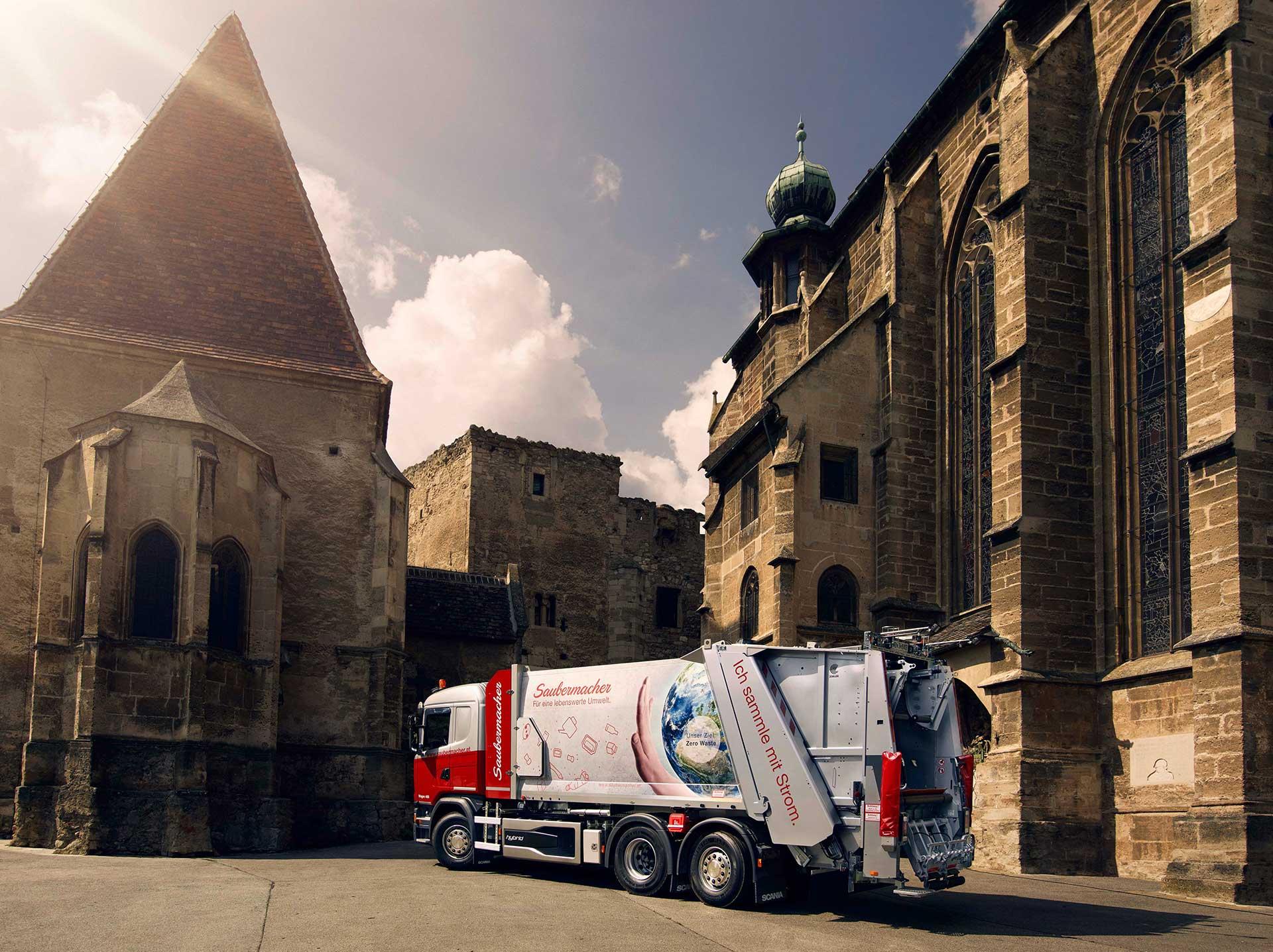 18-x-13_church_truck2